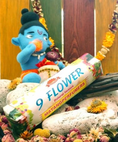 Благовония 9 Flowers 250 грамм упаковка (Вриндаван) - 1